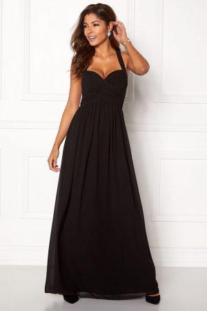Snygg svart långklänning i chiffong.