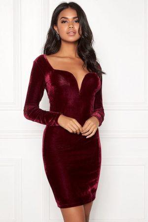 Sammetsklänning - Snygg vinröd festklänning i sammet från 77thFLEA