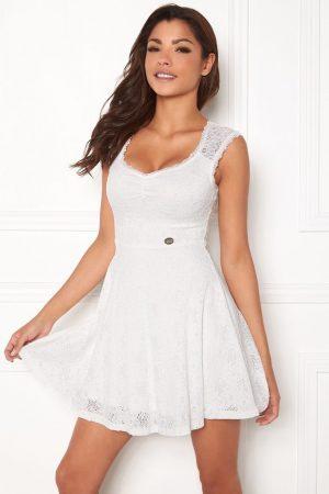 Vit spetsklänning