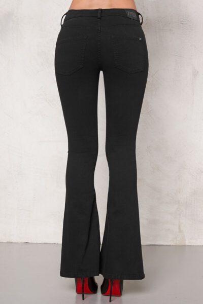 Superstretchiga jeans utsvängda