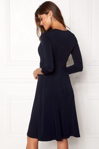 Mörkblå festklänning