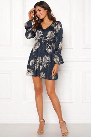 Blommig kort klänning - TopLady