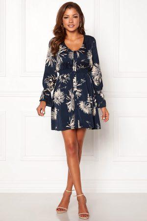 Kort blommig klänning
