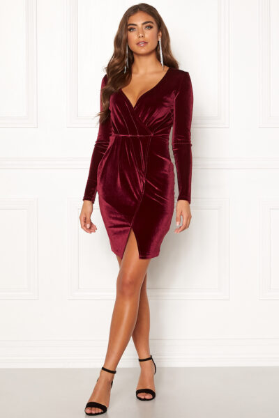 Vinröd sammetsklänning - TopLady